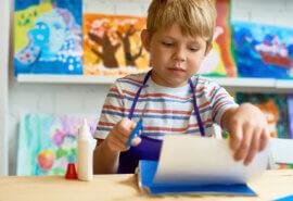 Manualidades con papel de periódico para niños y niñas